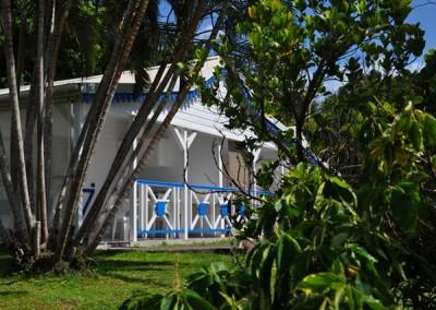 Bungalow de 2 à 4 personnes au coeur d'un parc paysager et face à la mer des caraïbes